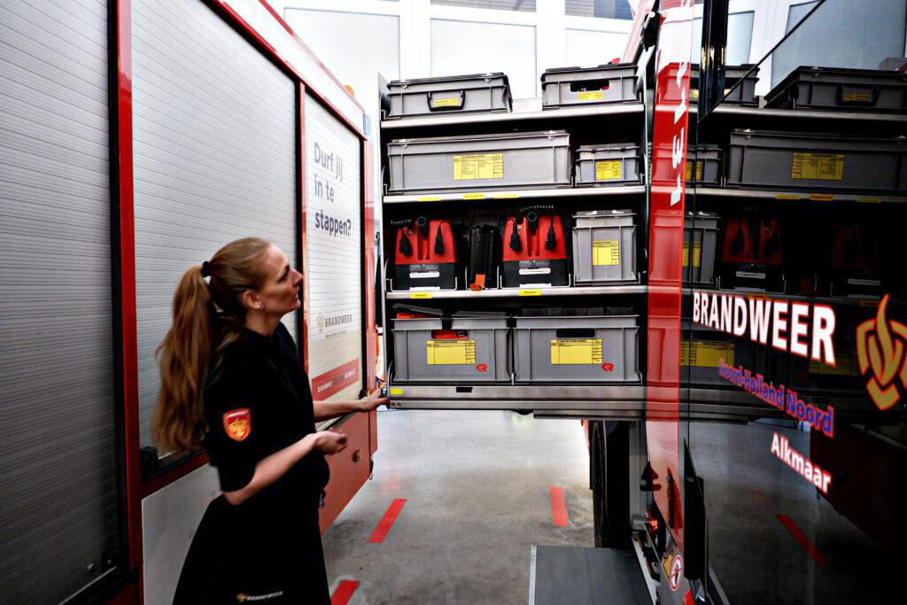De technische spullen in de brandweerauto.